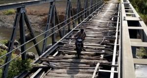 2013-10-03_14:17:46-Infrastruktur-Desa-Bima-230913-smt-1