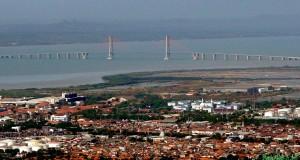 Foto dari udara jembatan Suramadu,