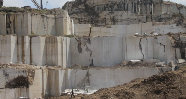 batu marmer di desa besole campurdarat tulungagung jawa timur