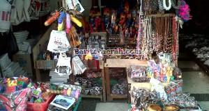 penjual-souvenir-balnustra