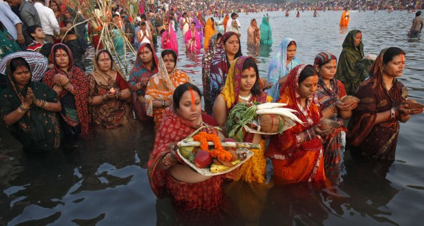 a description of the women of the hindu religion