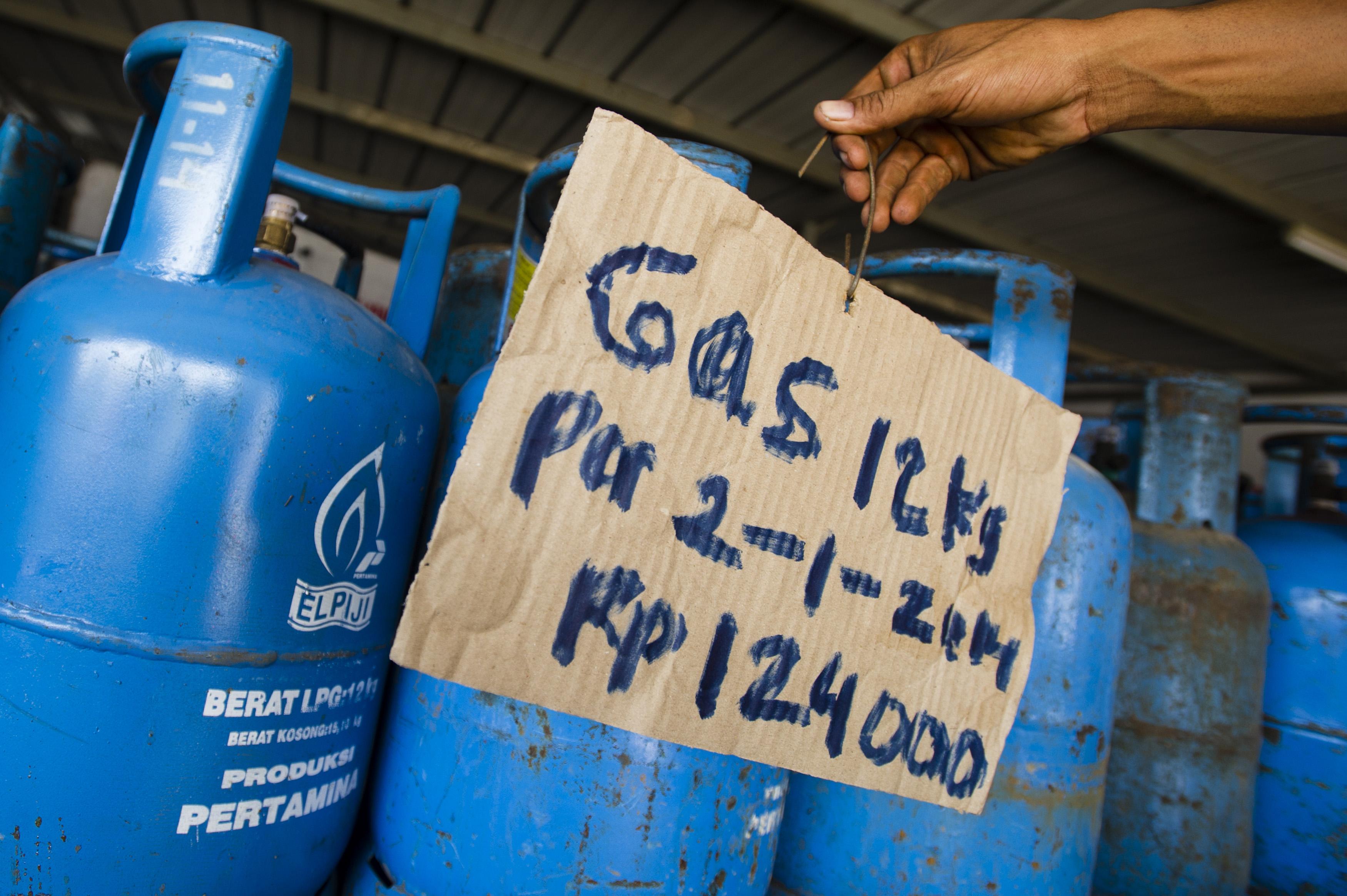 Gas Elpiji 12 Kg Naik