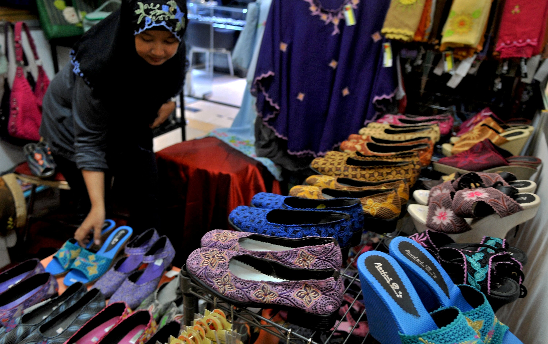 ... hasil kerajinan tangan produksi UMKM pada Semarang Industri Ekspo