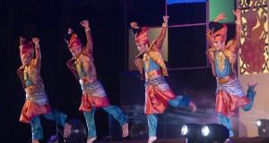 "Sanggar 'Seri Melayu"" Riau tampil dalam Solo International Performing Arts (SIPA) 2014 di Benteng Vastenburg, Solo, Jateng, Jumat (12/9) malam"