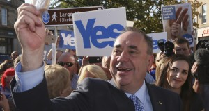 Scotland's First Minister Alex Salmond campaigns through Largs, Ayrshire