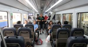 Sejumlah penumpang berada di dalam gerbong kereta bandara di Stasiun Kereta Api Besar, Medan, Deli Serdang, Sumut, Jumat (31/10)