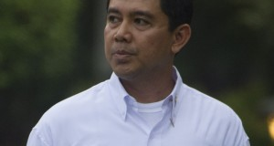 Menteri Pendayagunaan Aparatur Negara dan Reformasi Birokrasi Yuddy Chrisnandi diperkenalkan saat pengumuman Kabinet Kerja yang dipimpin Presiden Joko Widodo dan Wapres Jusuf Kalla di Istana Merdeka, Jakarta, Minggu (26/10).