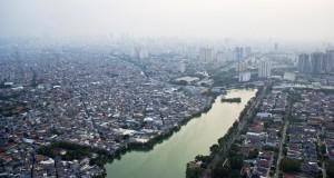 Suasana deretan rumah dan gedung  di Jakart