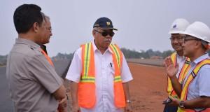 Kemajuan pembangunan jalan tol ini sudah mencapai 67 persen dan ditargetkan rampung bulan Juni 2015