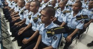 Ratusan Taruna dan Taruni Politeknik Kelautan dan Perikanan (Poltek KP) Sidoarjo mengikuti kuliah umum di Aula Poltek KP Sidoarjo, Sedati, Sidoarjo, Jawa Timur, Rabu (26/11).