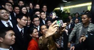 antarafoto-selfie-bersama-presiden-221114-jos-2-1