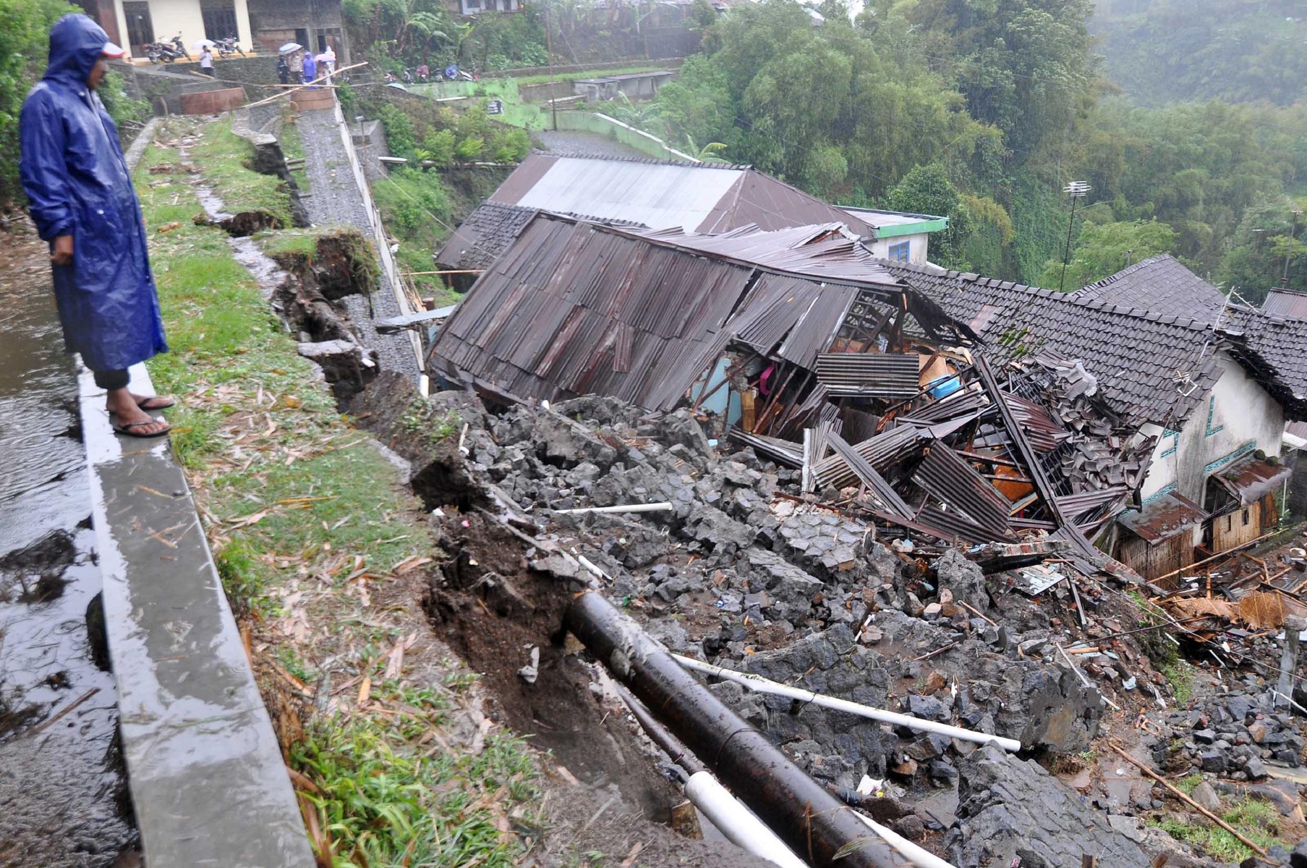 Korban Gunung Sindoro Lereng Gunung Sindoro Desa