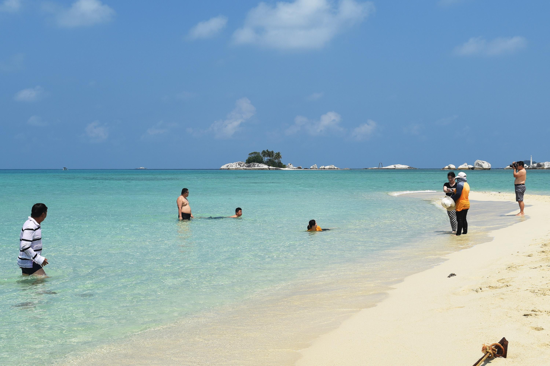 Wisata Belitung Barat Pasir Belitung Barat