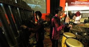 Perpaduan Alat Musik Dari Bambu