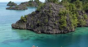 Pulau Labengki salah satu pulau di Konawe Utara yang memiliki keindahan alam dan wisata bawah laut yang masih alami.