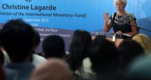 """Managing Director of the International Monetary Fund (IMF) Christine Lagarde memberikan kuliah umum dengan tema """"Poised for Take-off-Unleashing Indonesia's Economic Potential"""" di gedung Universitas Indonesia, Salemba, Jakarta, Selasa (1/9). Dalam kuliah umumnya Lagarde menyatakan Indonesia berpeluang menjadikan dinamika ekonomi global sebagai momentum memperbarui sumber pertumbuhan ekonomi. ANTARA FOTO/Muhammad Adimaja/ama/15"""