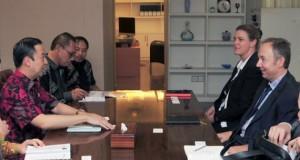 __mendag-menerima-kunjungan-vice-presiden-global-trade-presidir-nike-indonesia-2-1449049393