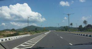 infrastruktur jalan raya di lombok