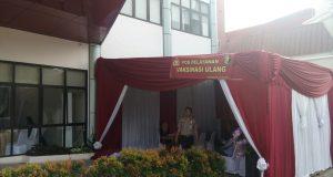 Posko Pos Pelayanan Vaksinasi ulang di RS Polri Soekamto Kramatjati (Photo: Delfi/BD)