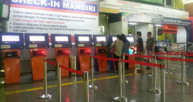 Check in Mandiri di Stasiun Gambir Jakarta Pusat (Photo: Florence/BD)