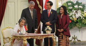 Presiden Joko Widodo menerima kunjungan Perdana Menteri Republik Demokratik Sosialis Sri Lanka, H.E. Mr. Ranil Wickramasinghe beserta Mrs. Maithree Wickramasinghe di Istana Merdeka (3/8). Photo: Mark S /BD