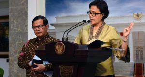 Menkeu menjelaskan kepada wartawan hasil Sidang Kabinet Paripurna di Kantor Presiden, Jakarta (3/8). (Foto: Humas Setkab)