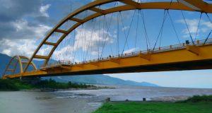 jembatan kuning palu sulteng