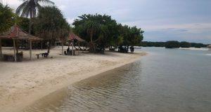 pantai pasir perawan pulau paru