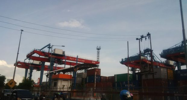 pelabuhan barang Pontianak