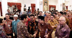 Presiden Joko Widodo dalam pertemuan awal tahun dengan para pelaku industri jasa keuangan