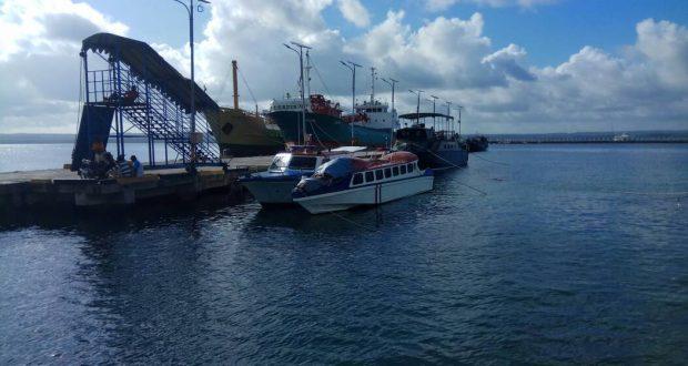 Pelabuhan Laut Saumlaki, Maluku Tenggara Barat (Photo: Kristo Aritonang/ Beritadaerah.co.id)